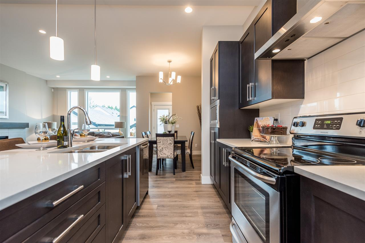 Detached at 20373 82A AVENUE, Langley, British Columbia. Image 6