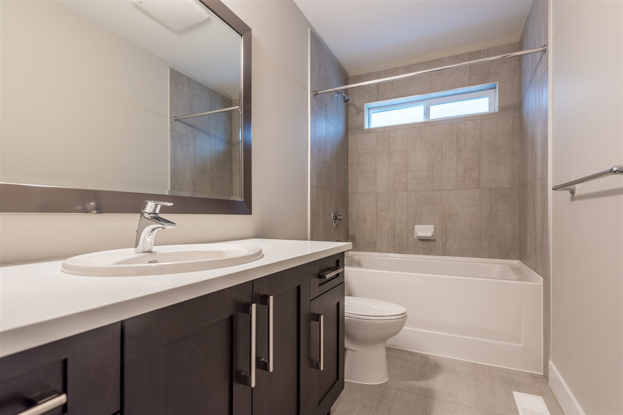 Detached at 20373 82A AVENUE, Langley, British Columbia. Image 16