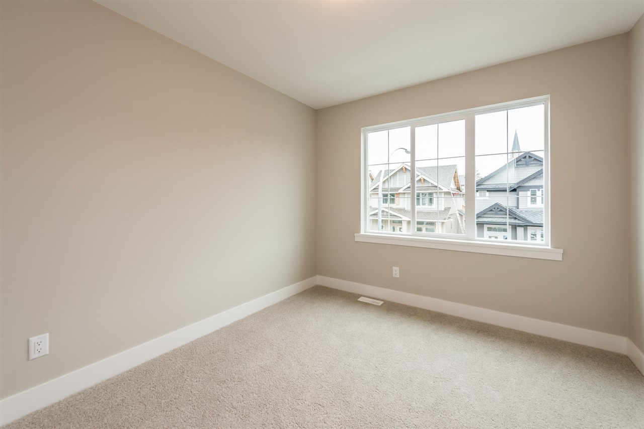 Detached at 20373 82A AVENUE, Langley, British Columbia. Image 18
