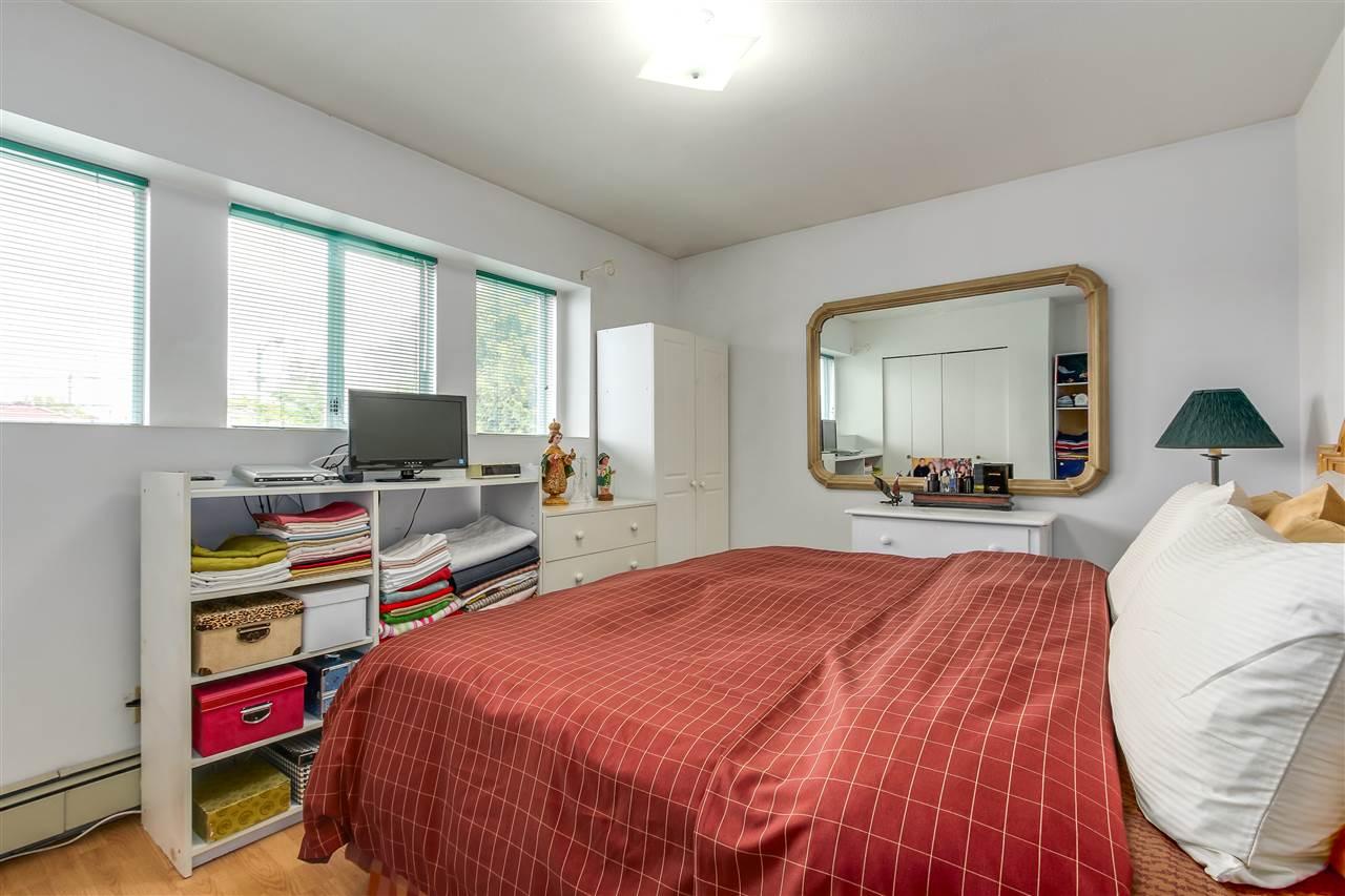 Half-duplex at 6177 VICTORIA DRIVE, Vancouver East, British Columbia. Image 7