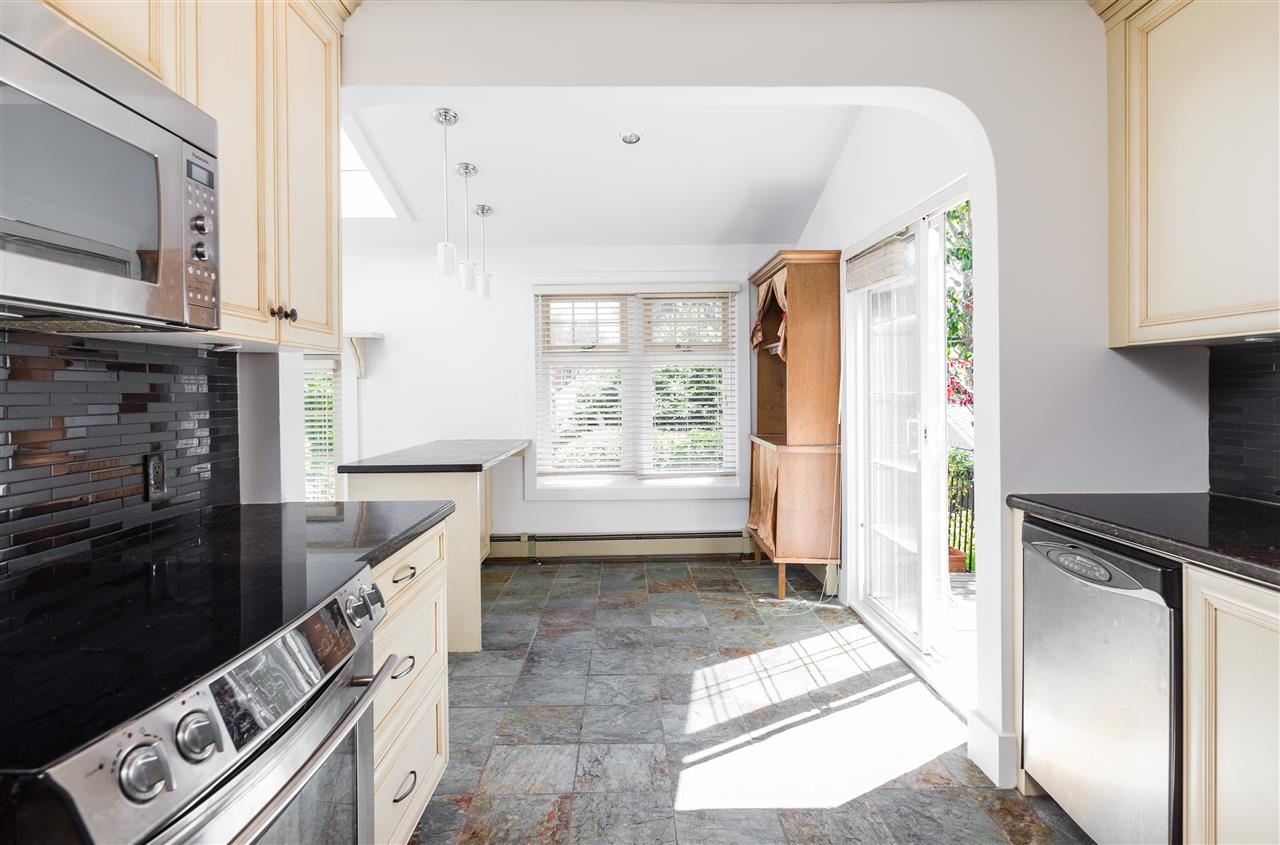 Detached at 2786 W 31ST AVENUE, Vancouver West, British Columbia. Image 4