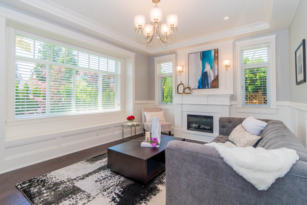 Detached at 4107 HAZELWOOD CRESCENT, Burnaby South, British Columbia. Image 2