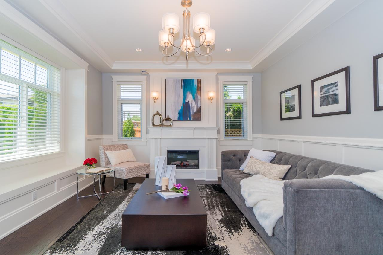 Detached at 4107 HAZELWOOD CRESCENT, Burnaby South, British Columbia. Image 3