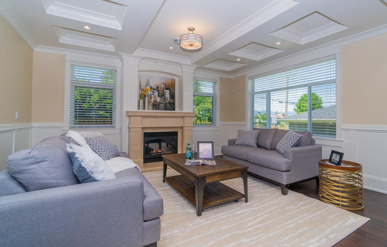 Detached at 4107 HAZELWOOD CRESCENT, Burnaby South, British Columbia. Image 4