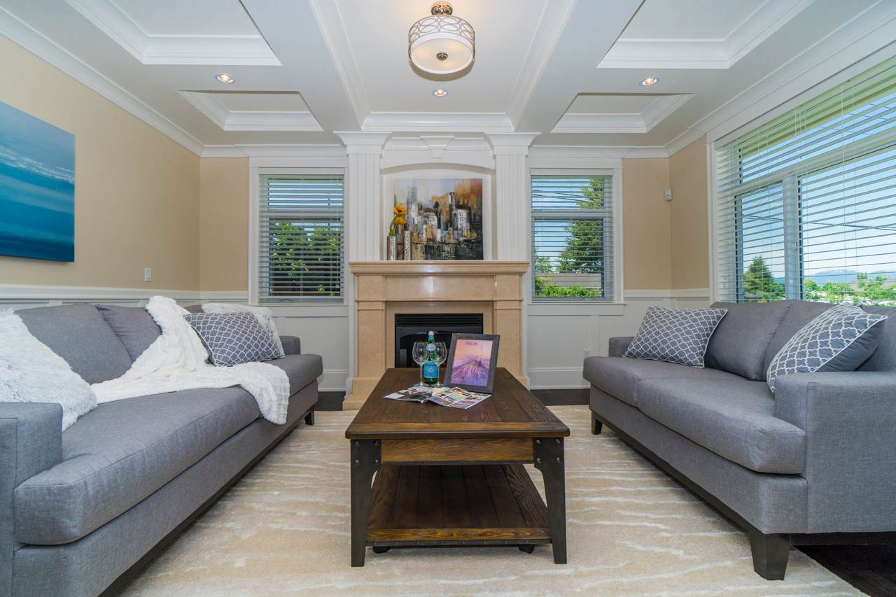 Detached at 4107 HAZELWOOD CRESCENT, Burnaby South, British Columbia. Image 5
