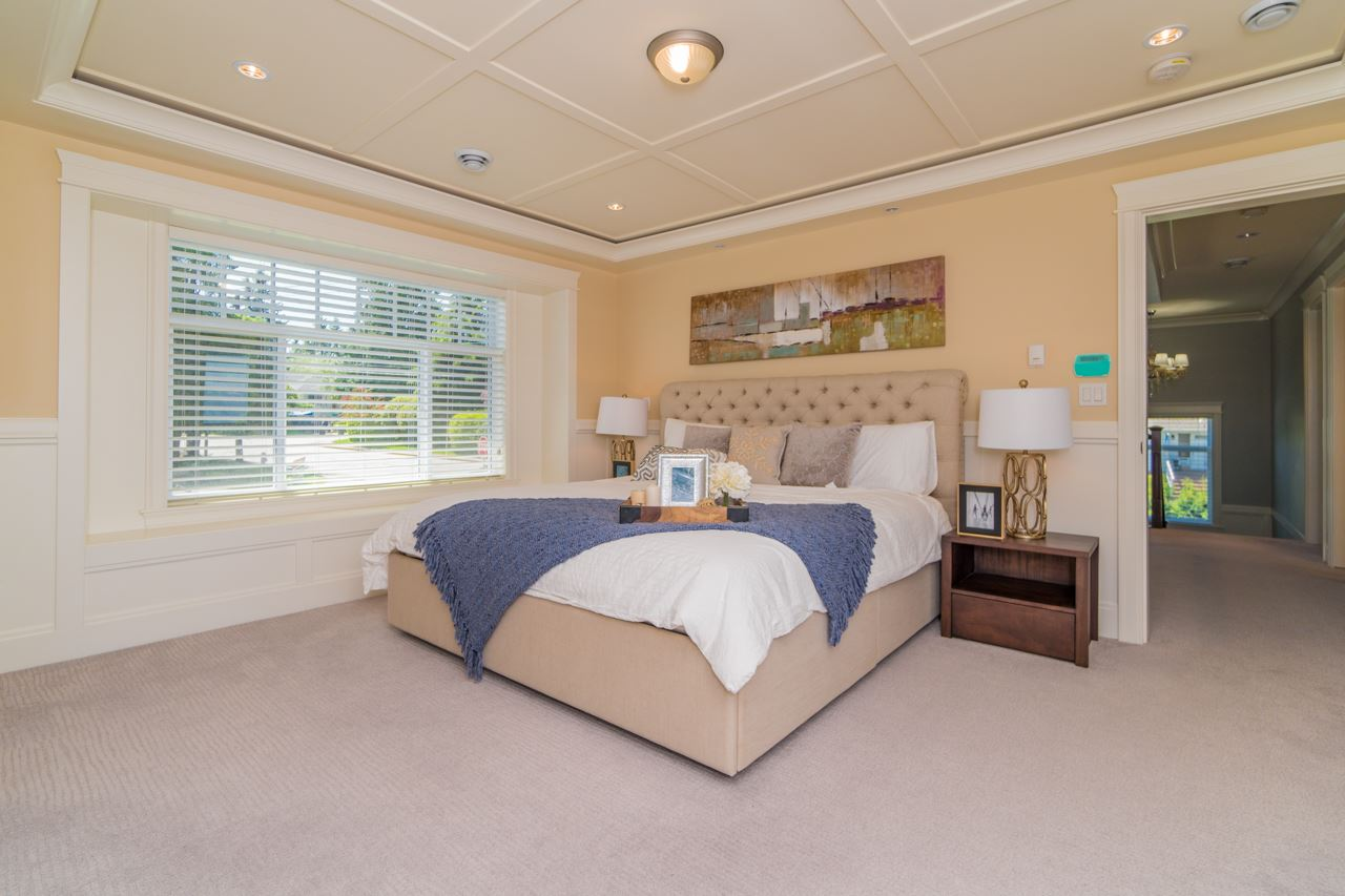 Detached at 4107 HAZELWOOD CRESCENT, Burnaby South, British Columbia. Image 12