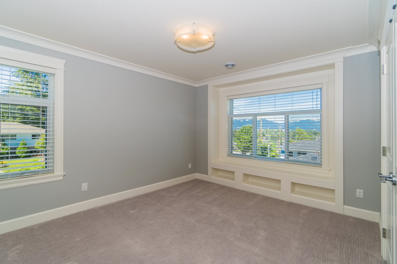 Detached at 4107 HAZELWOOD CRESCENT, Burnaby South, British Columbia. Image 18
