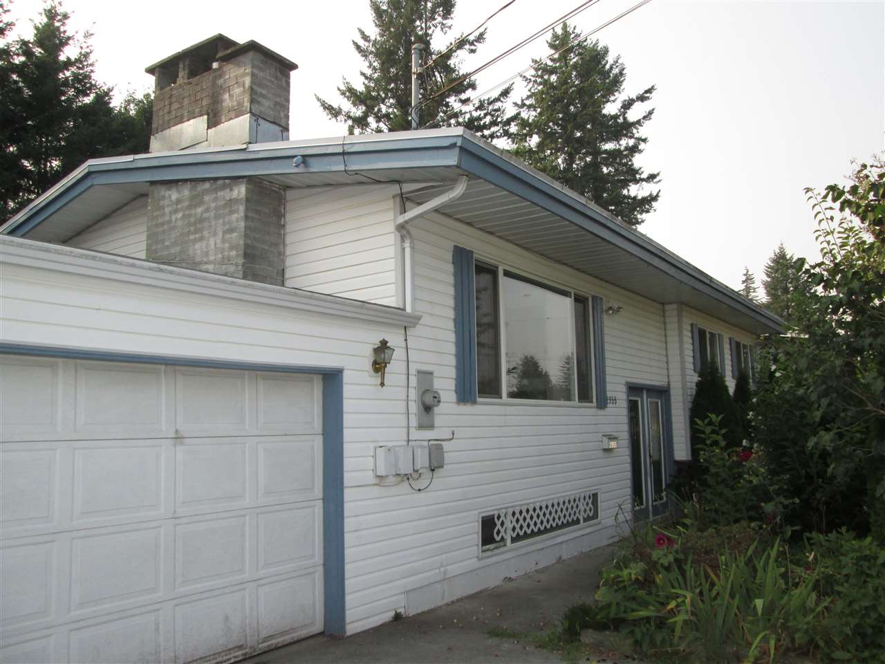Detached at 2355 BROADWAY STREET, Abbotsford, British Columbia. Image 2