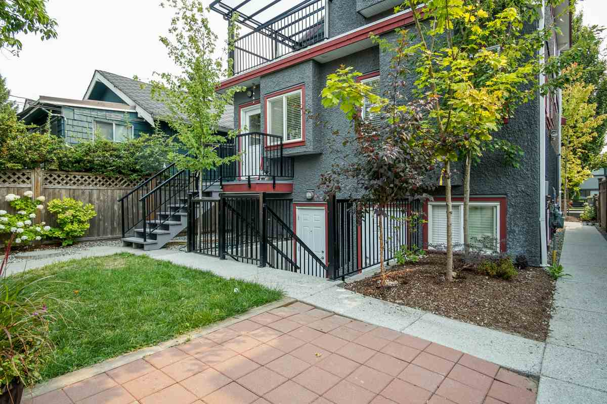 Detached at 5187 SHERBROOKE STREET, Vancouver East, British Columbia. Image 4