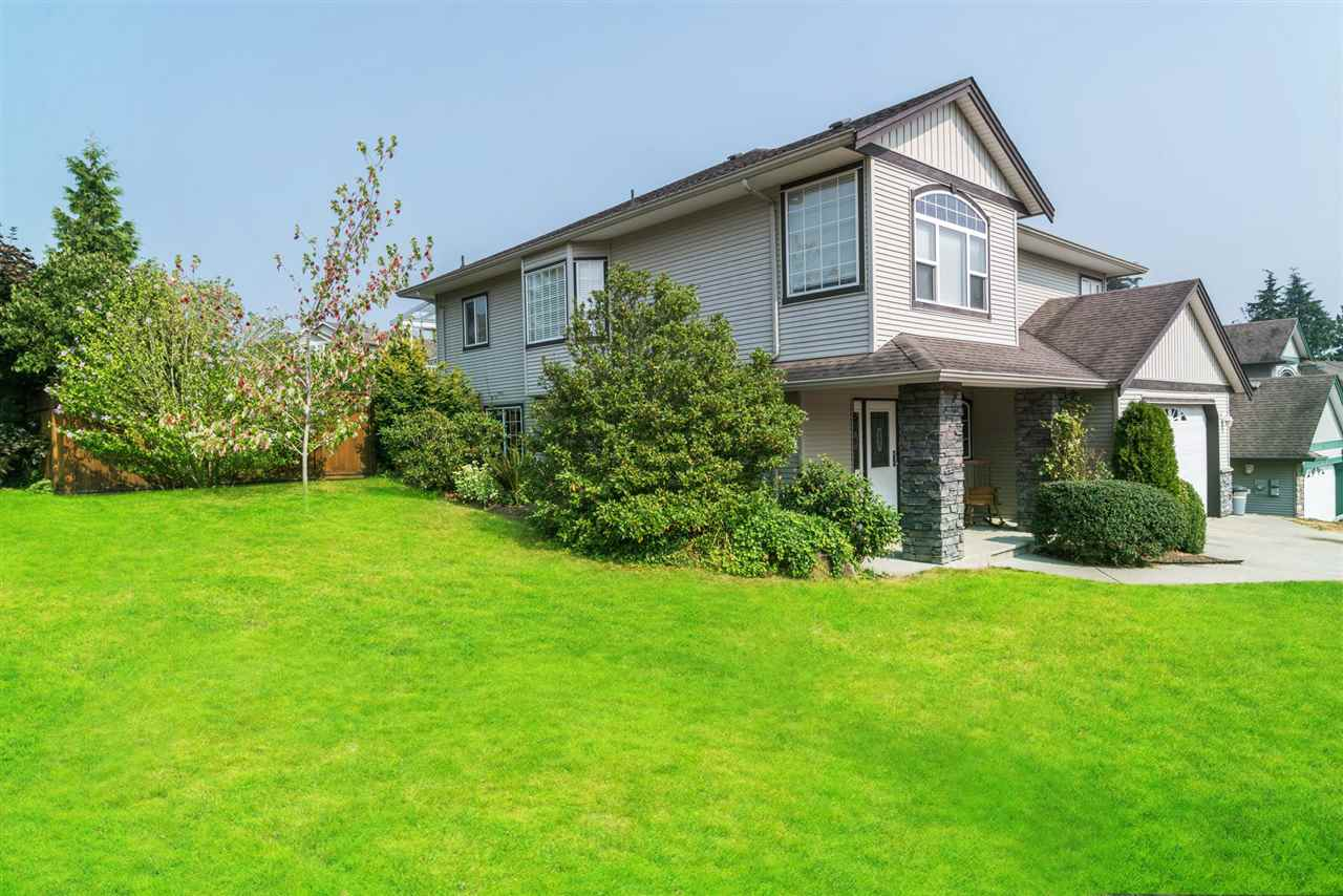 Detached at 7996 D'HERBOMEZ DRIVE, Mission, British Columbia. Image 2