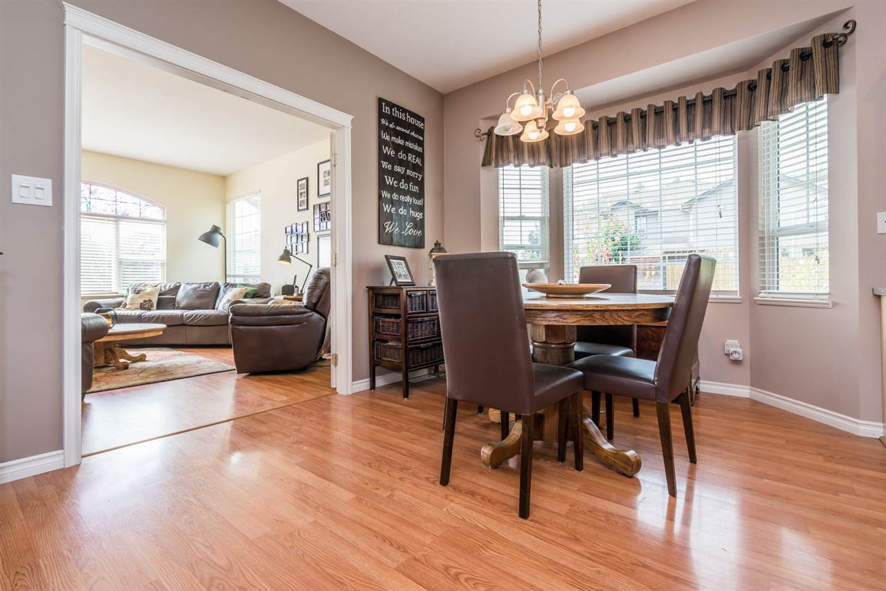 Detached at 7996 D'HERBOMEZ DRIVE, Mission, British Columbia. Image 8