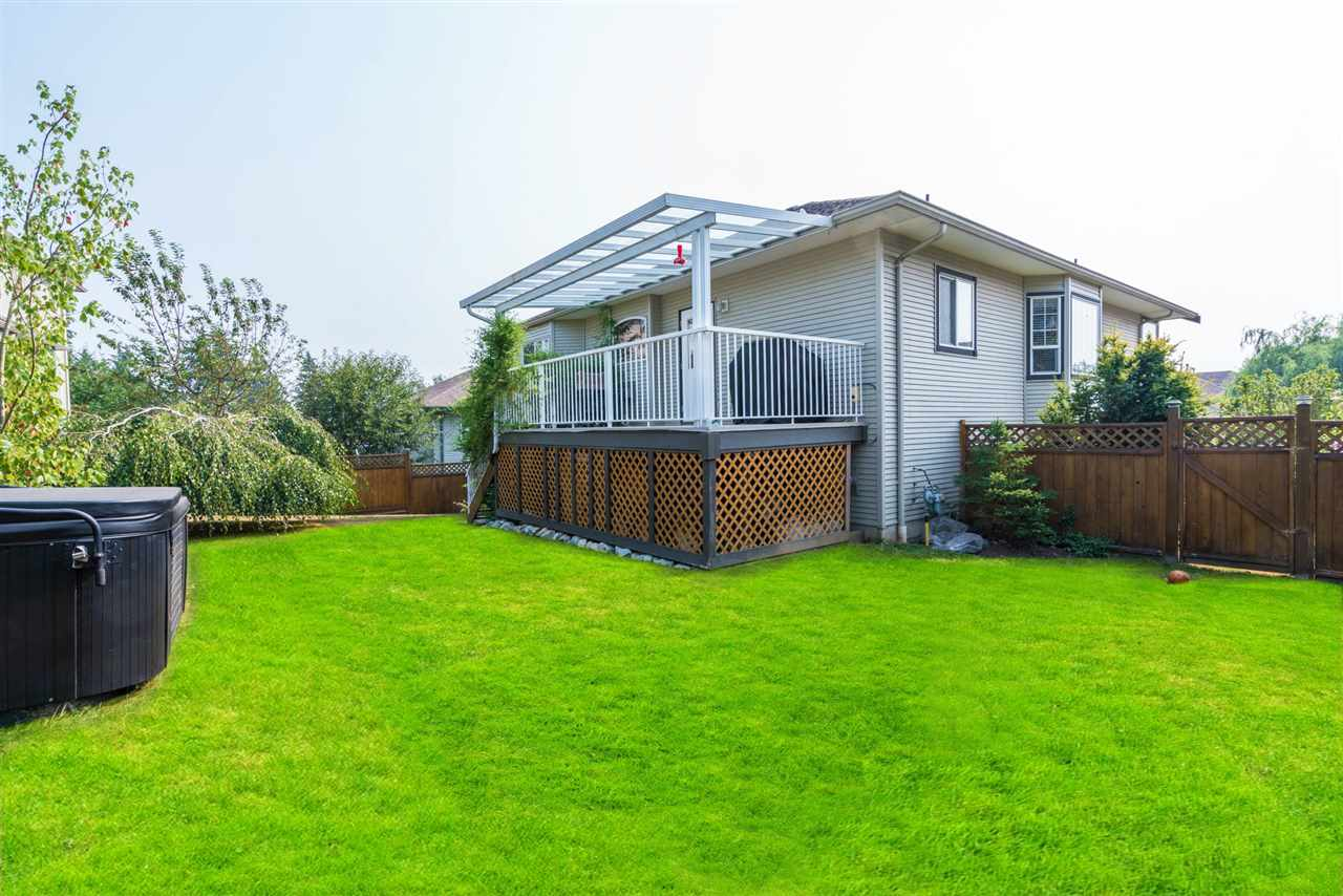 Detached at 7996 D'HERBOMEZ DRIVE, Mission, British Columbia. Image 19