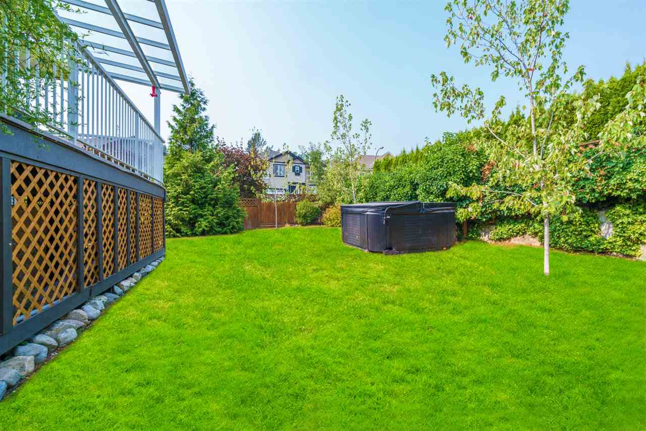 Detached at 7996 D'HERBOMEZ DRIVE, Mission, British Columbia. Image 20