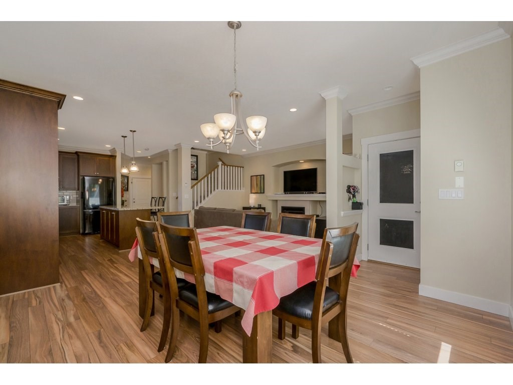Detached at 19010 67A AVENUE, Cloverdale, British Columbia. Image 7