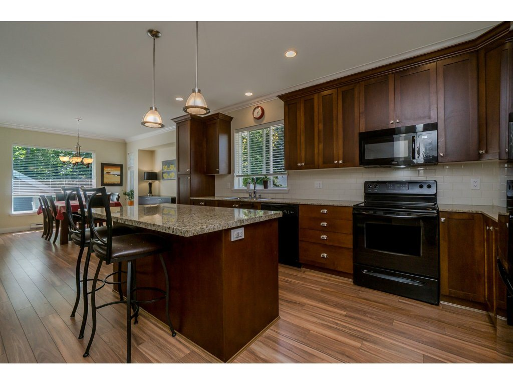 Detached at 19010 67A AVENUE, Cloverdale, British Columbia. Image 8
