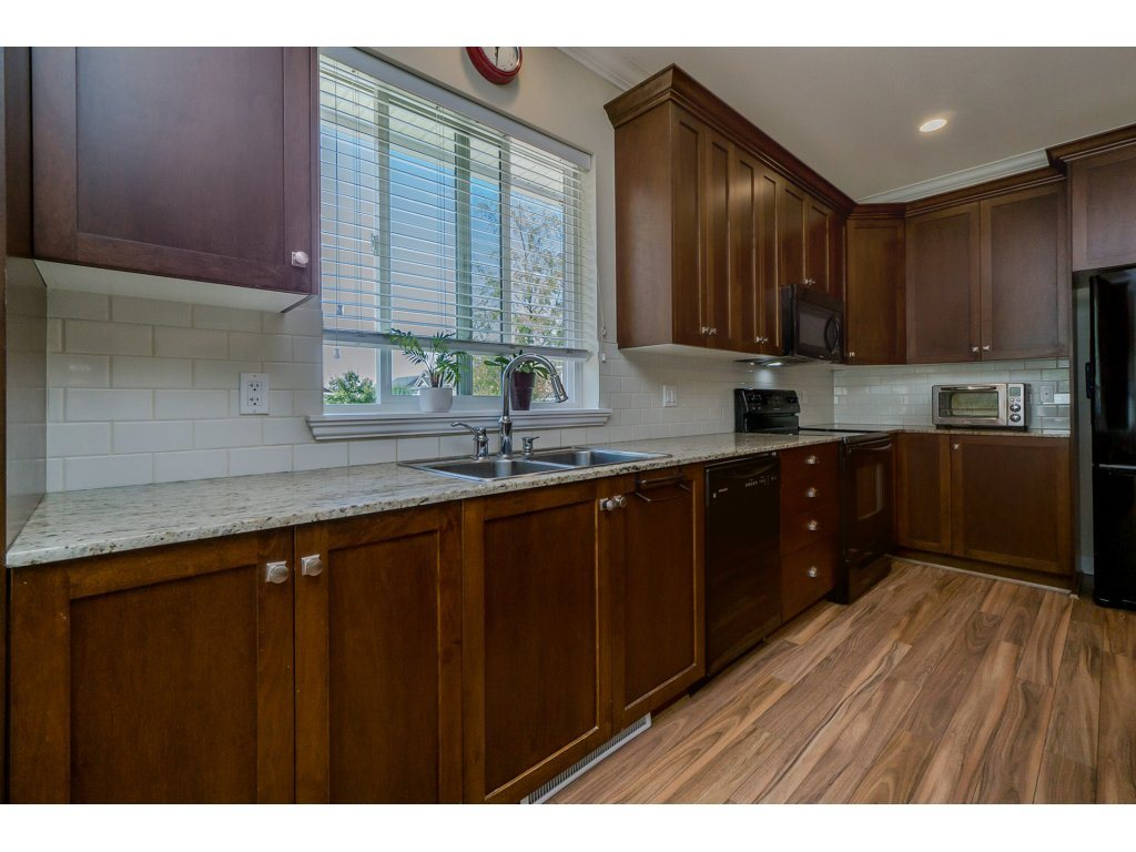 Detached at 19010 67A AVENUE, Cloverdale, British Columbia. Image 10