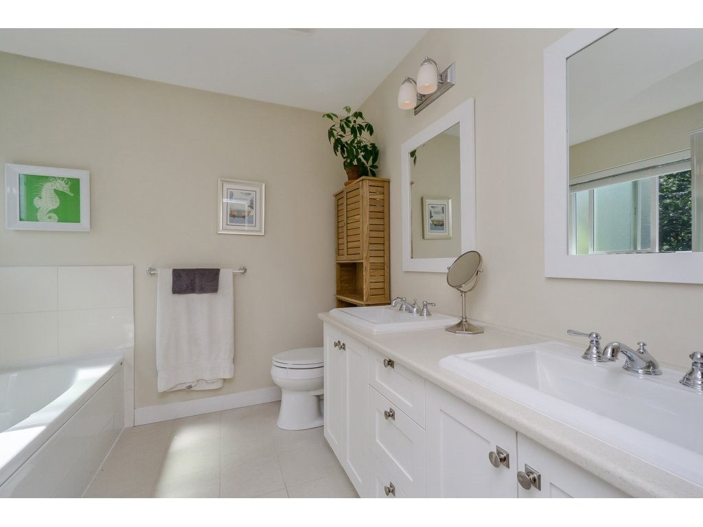 Detached at 19010 67A AVENUE, Cloverdale, British Columbia. Image 13