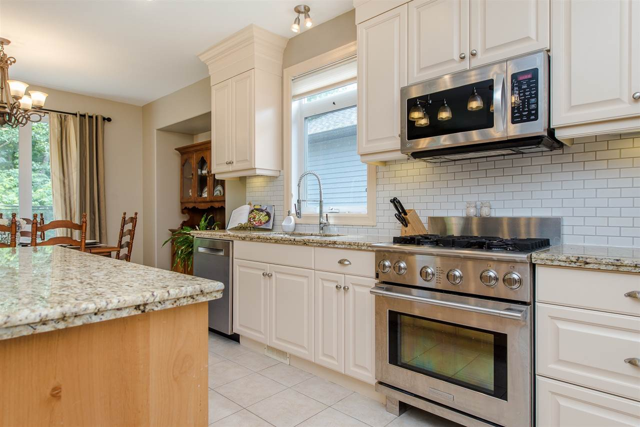 Detached at 36116 S AUGUSTON PARKWAY, Abbotsford, British Columbia. Image 3