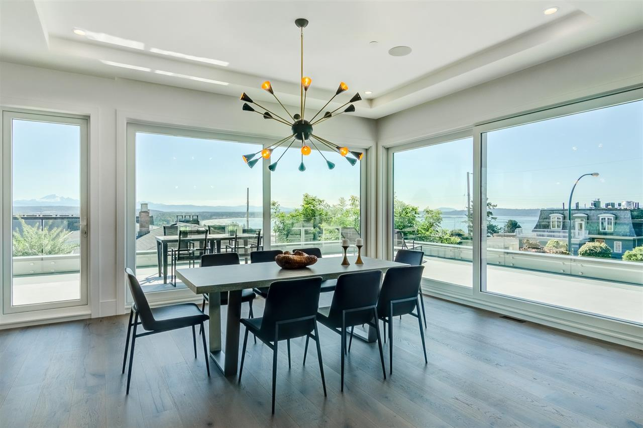 Detached at 15495 PACIFIC AVENUE, South Surrey White Rock, British Columbia. Image 9