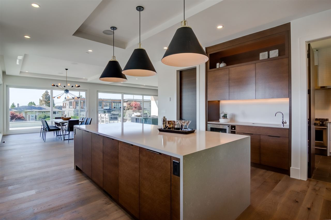 Detached at 15495 PACIFIC AVENUE, South Surrey White Rock, British Columbia. Image 12