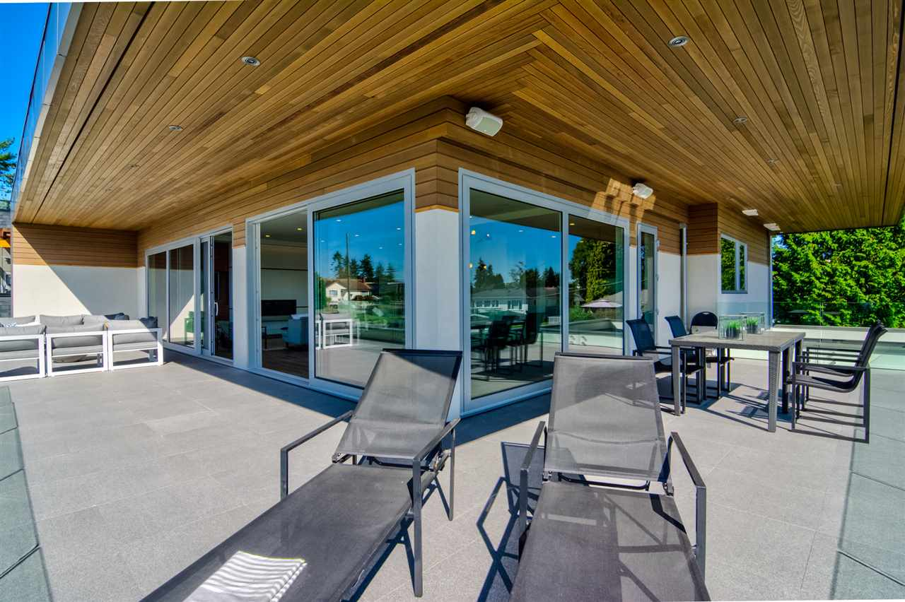 Detached at 15495 PACIFIC AVENUE, South Surrey White Rock, British Columbia. Image 17