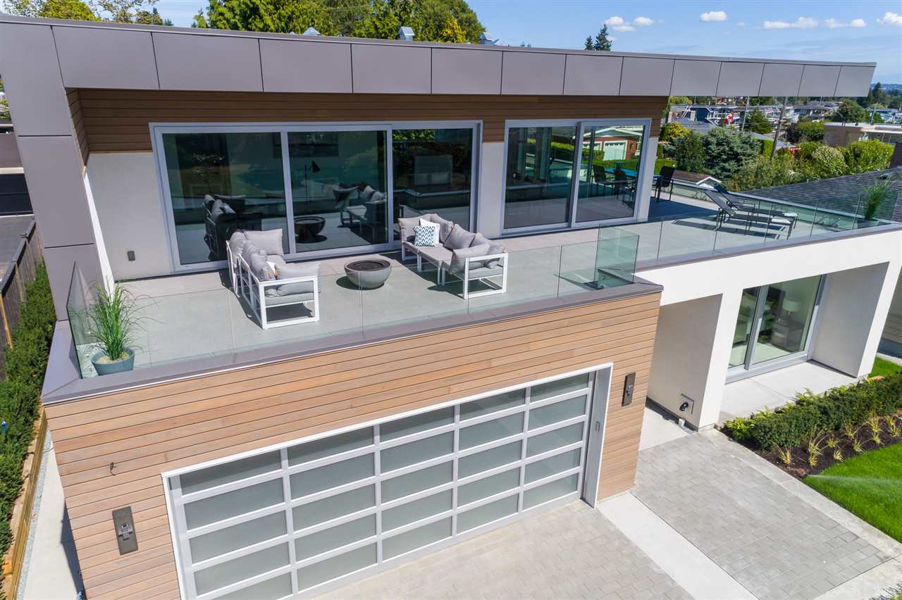 Detached at 15495 PACIFIC AVENUE, South Surrey White Rock, British Columbia. Image 19