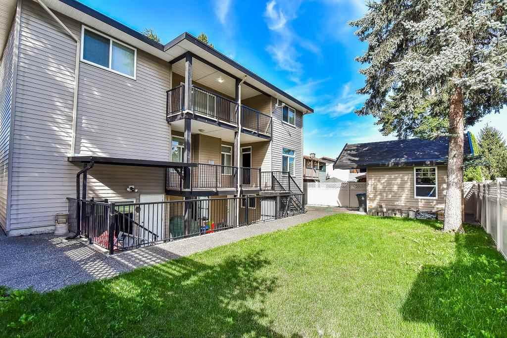 Detached at 13058 ENGLISH PLACE, Surrey, British Columbia. Image 20