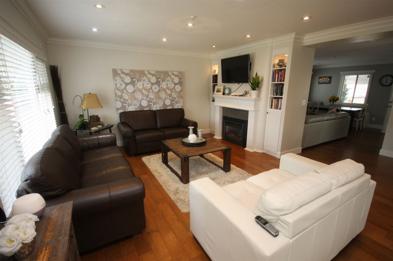 Detached at 6434 BEATRICE STREET, Vancouver East, British Columbia. Image 3