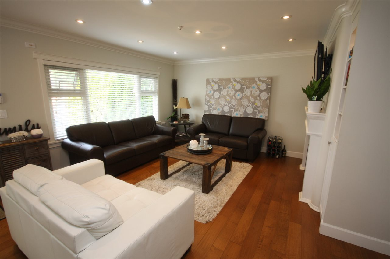 Detached at 6434 BEATRICE STREET, Vancouver East, British Columbia. Image 4