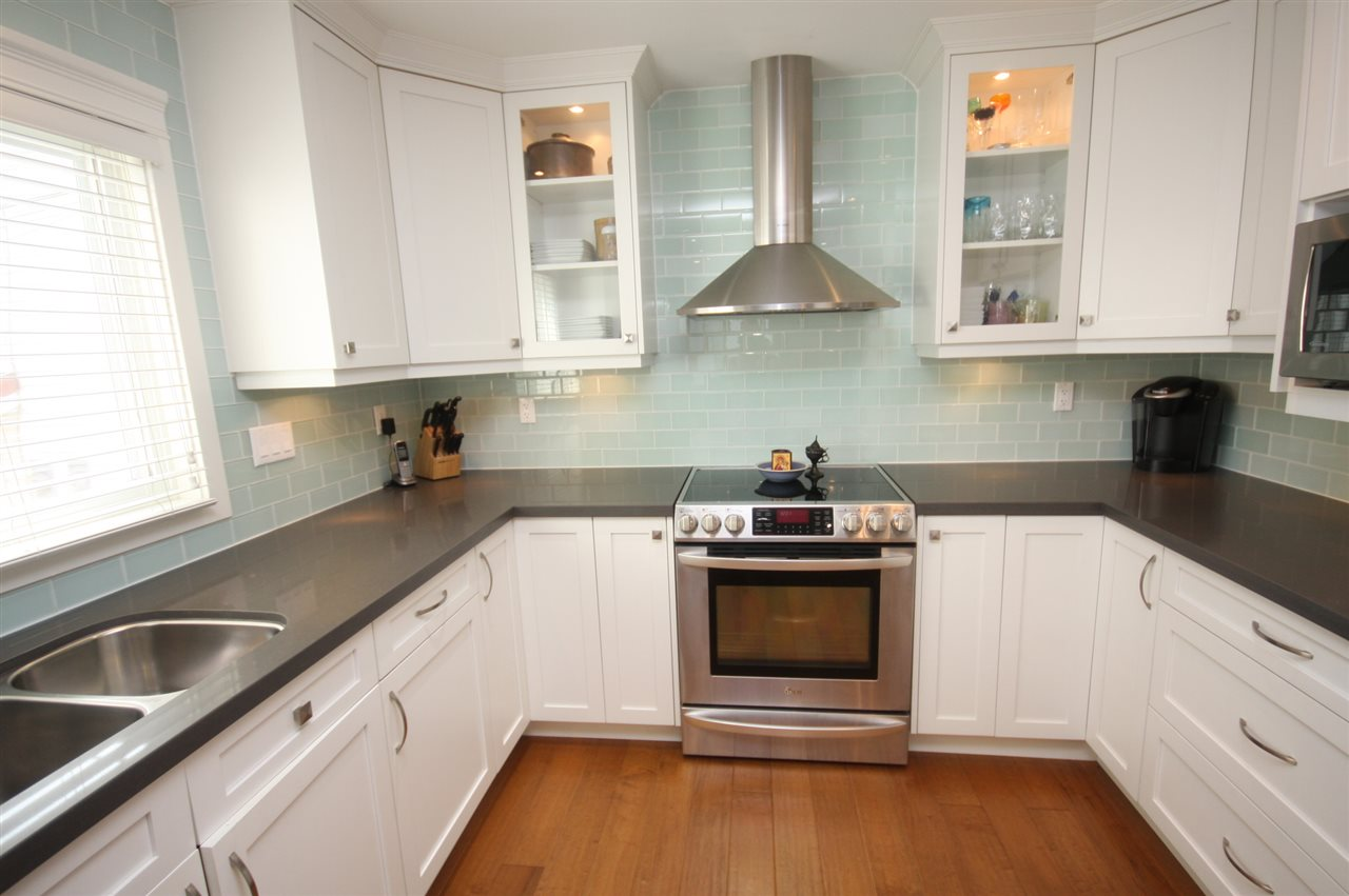 Detached at 6434 BEATRICE STREET, Vancouver East, British Columbia. Image 6