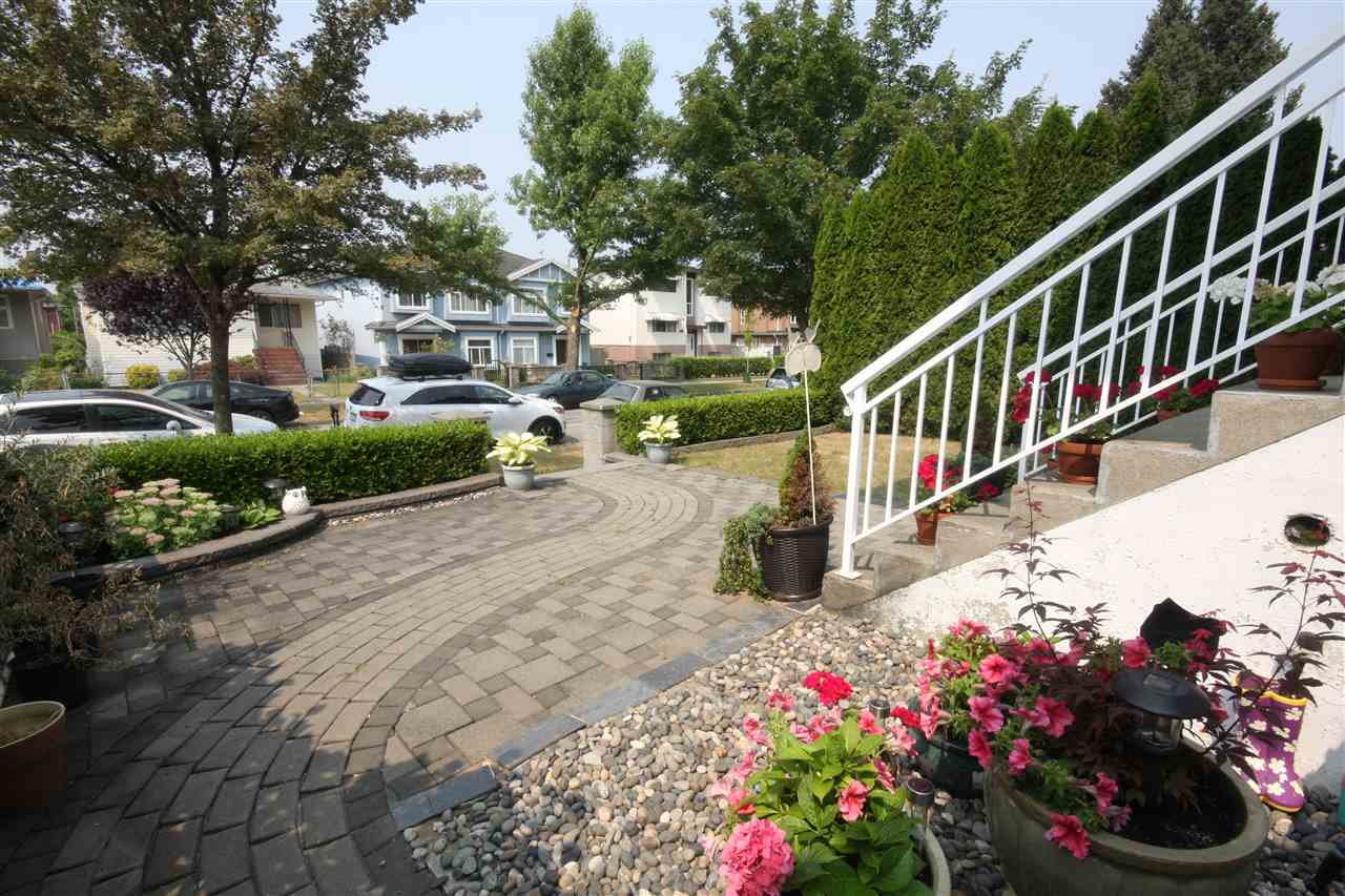 Detached at 6434 BEATRICE STREET, Vancouver East, British Columbia. Image 19