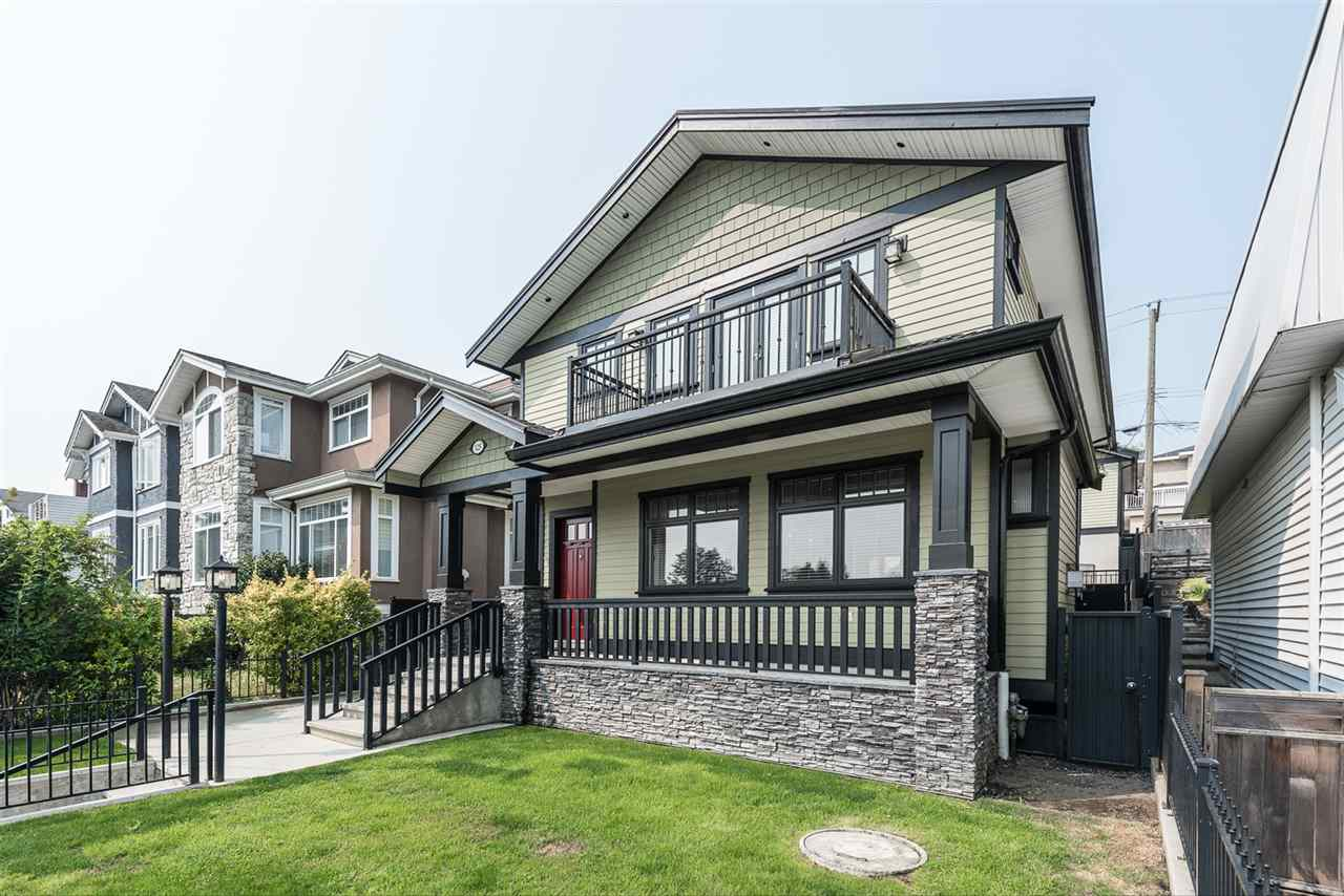Detached at 125 N STRATFORD AVENUE, Burnaby North, British Columbia. Image 2
