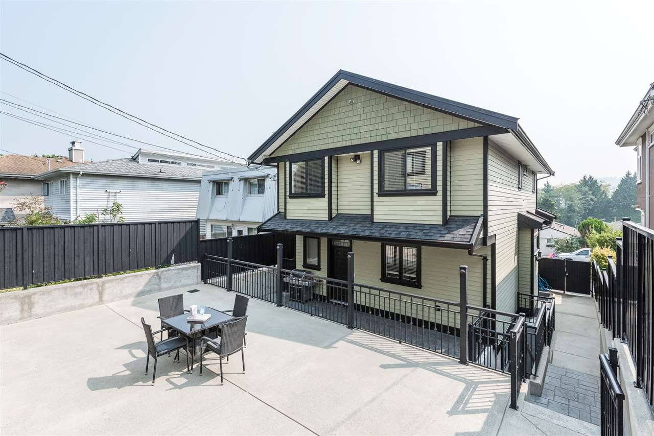 Detached at 125 N STRATFORD AVENUE, Burnaby North, British Columbia. Image 3