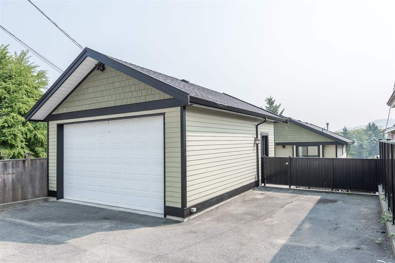Detached at 125 N STRATFORD AVENUE, Burnaby North, British Columbia. Image 7