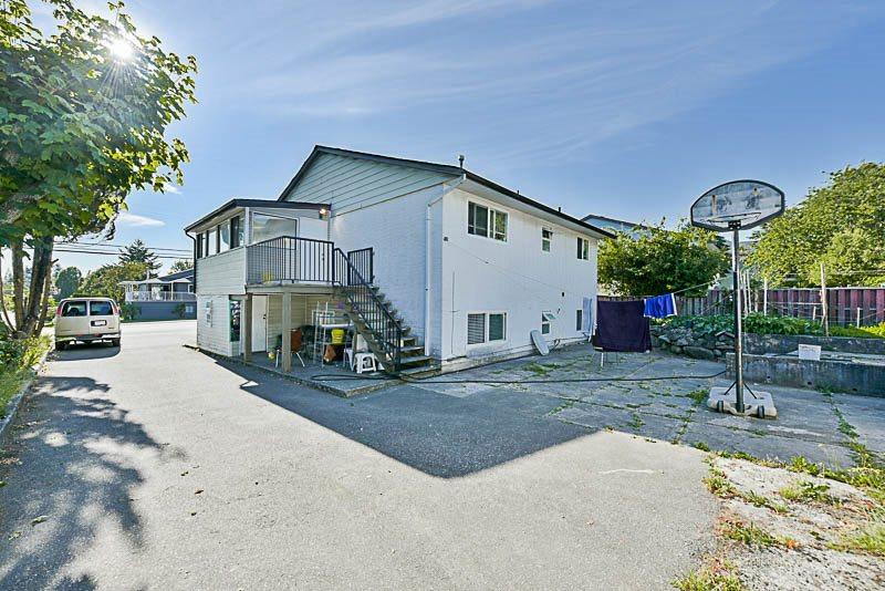 Detached at 8912 148 STREET, Surrey, British Columbia. Image 18