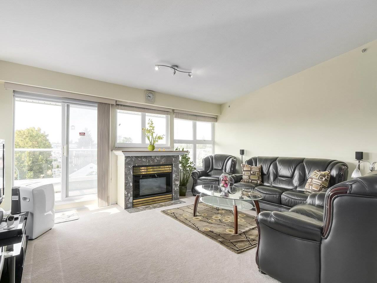 Condo Apartment at 405 2965 HORLEY STREET, Unit 405, Vancouver East, British Columbia. Image 2