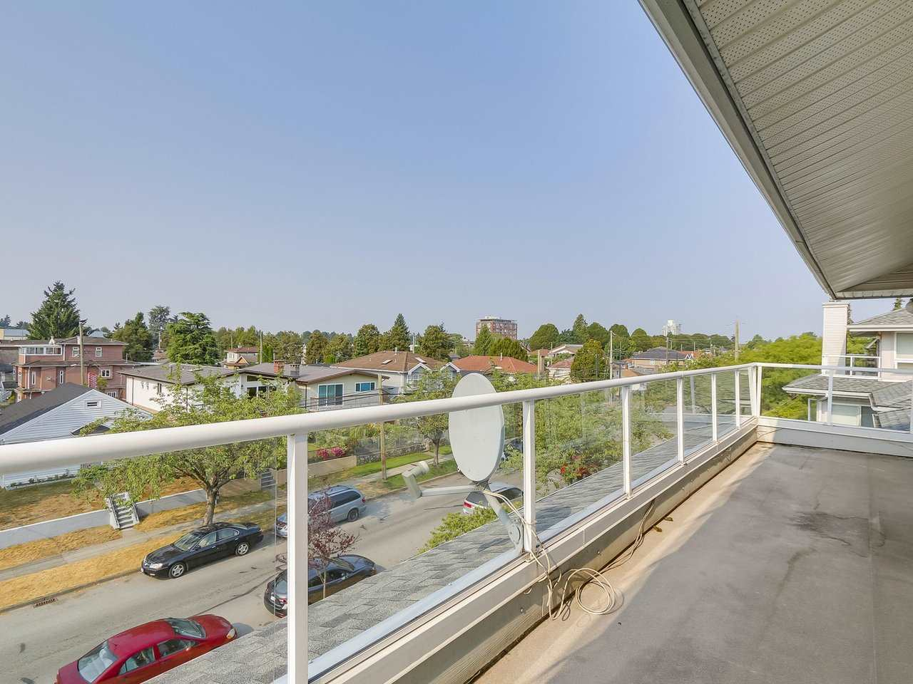 Condo Apartment at 405 2965 HORLEY STREET, Unit 405, Vancouver East, British Columbia. Image 3