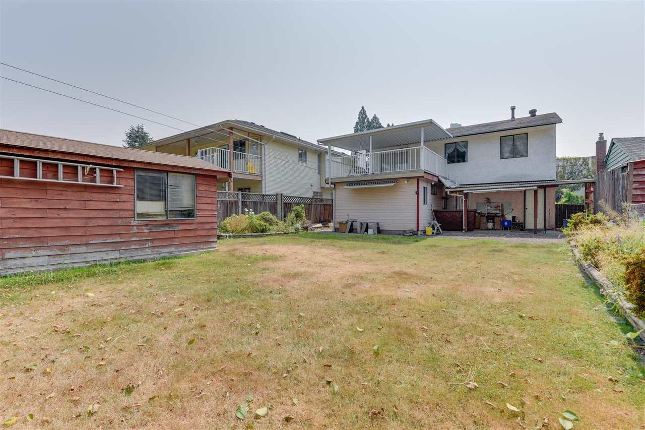 Detached at 11911 82 AVENUE, N. Delta, British Columbia. Image 6
