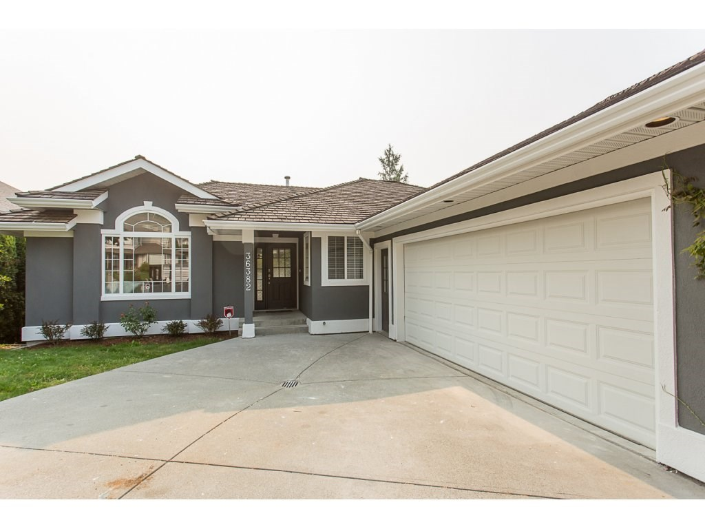 Detached at 36382 SANDRINGHAM DRIVE, Abbotsford, British Columbia. Image 1