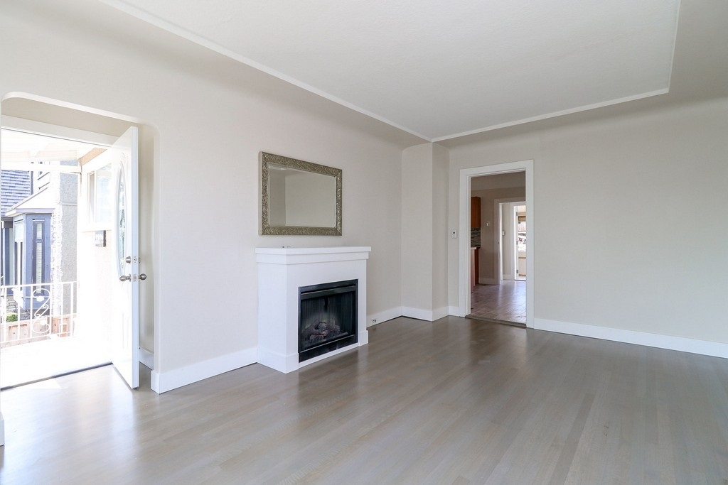 Detached at 3371 NAPIER STREET, Vancouver East, British Columbia. Image 2