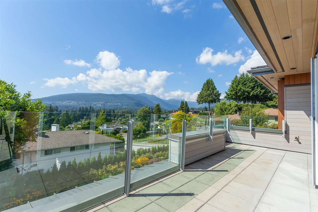 Detached at 4367 CHELSEA CRESCENT, North Vancouver, British Columbia. Image 1