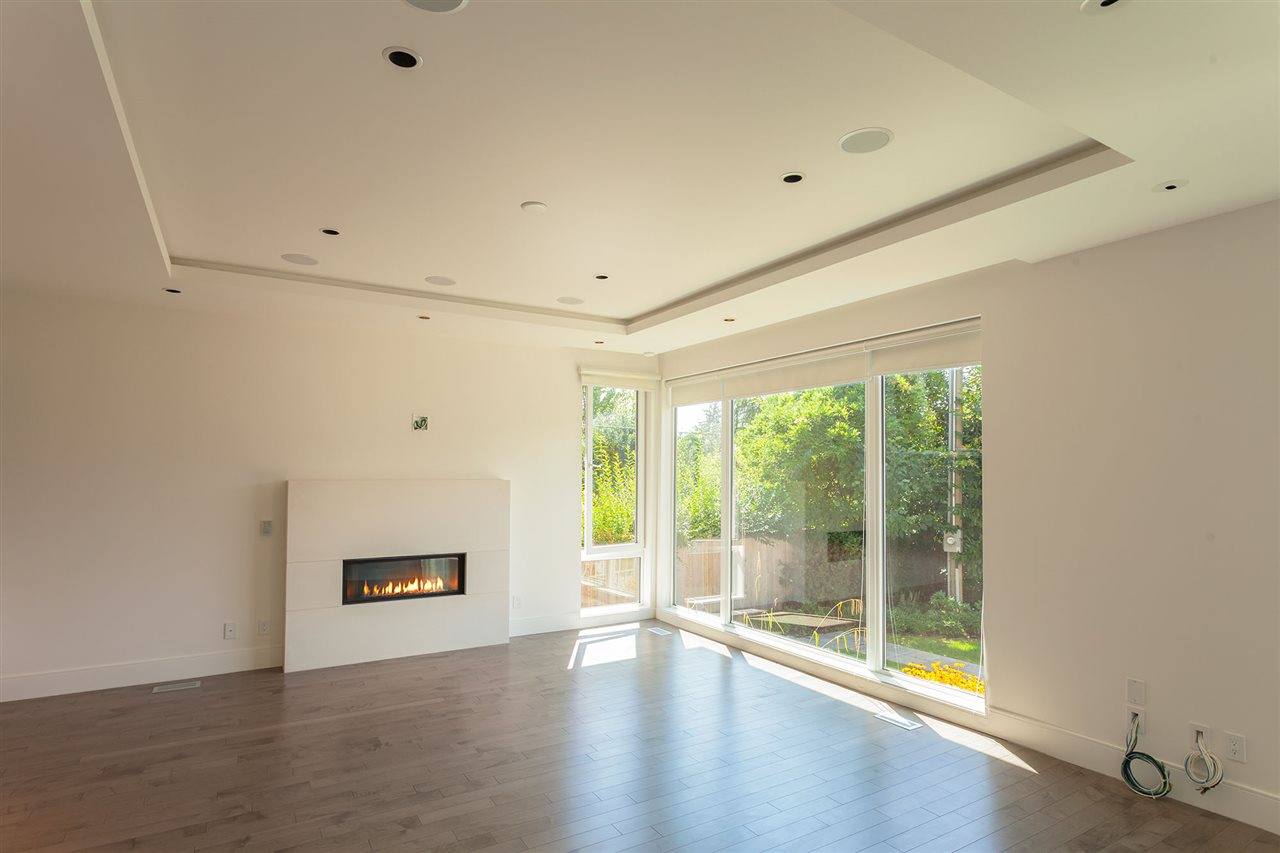 Detached at 4367 CHELSEA CRESCENT, North Vancouver, British Columbia. Image 8