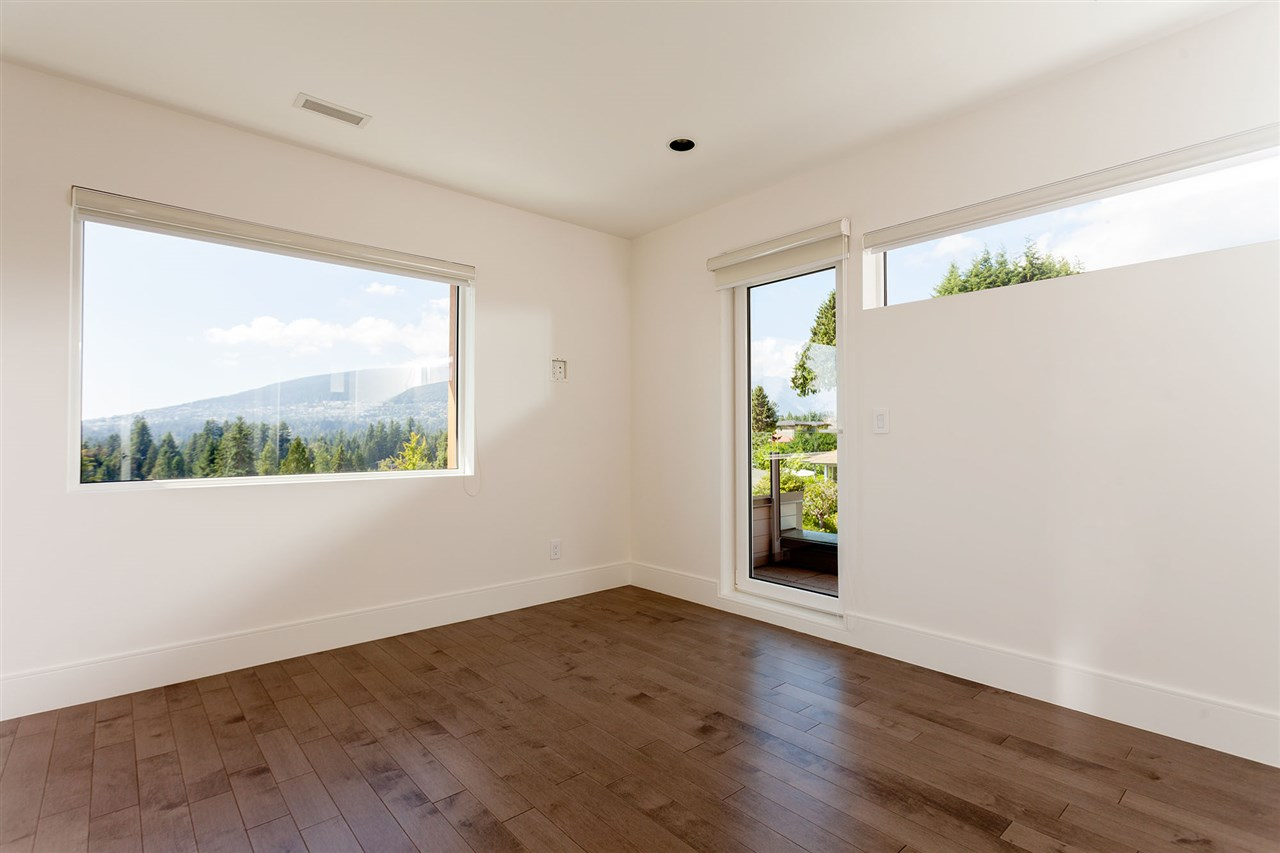 Detached at 4367 CHELSEA CRESCENT, North Vancouver, British Columbia. Image 15