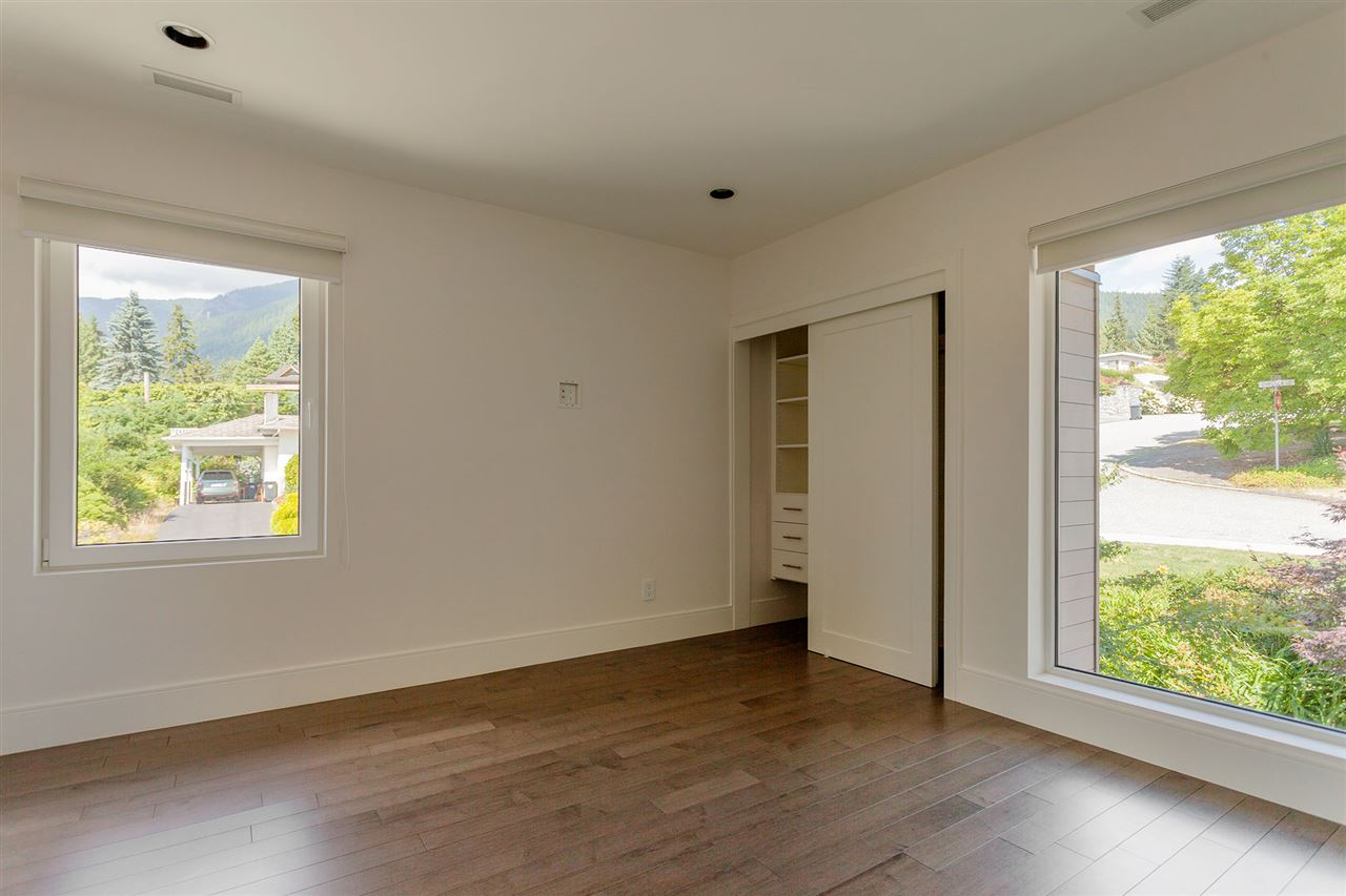 Detached at 4367 CHELSEA CRESCENT, North Vancouver, British Columbia. Image 16