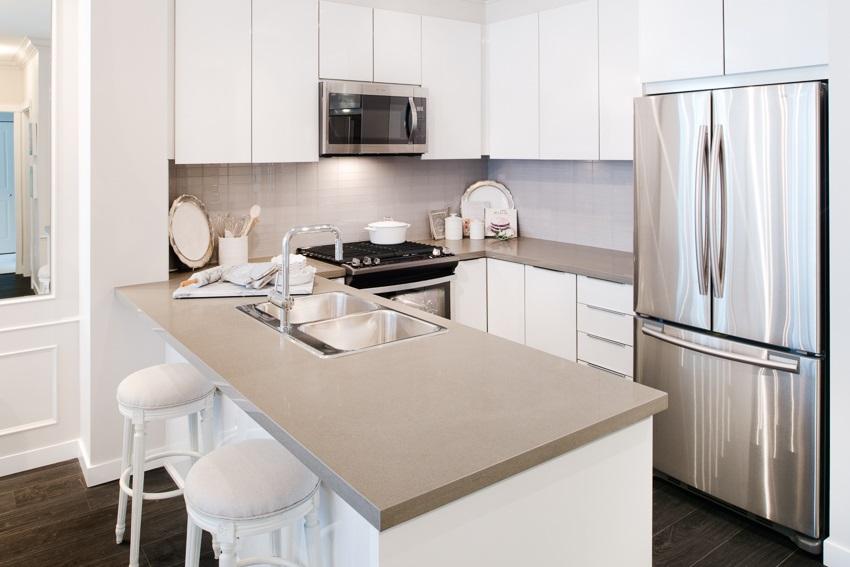 Condo Apartment at 101 607 COTTONWOOD AVENUE, Unit 101, Coquitlam, British Columbia. Image 1