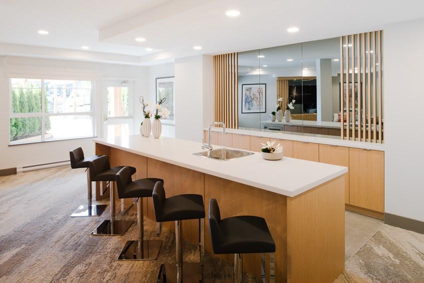 Condo Apartment at 101 607 COTTONWOOD AVENUE, Unit 101, Coquitlam, British Columbia. Image 4