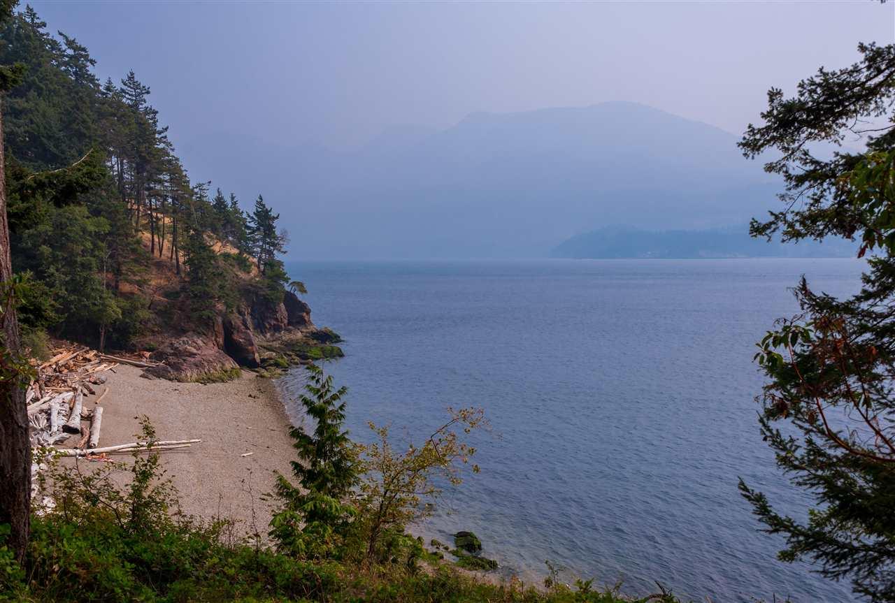 Detached at 779 TAYLOR ROAD, Bowen Island, British Columbia. Image 2