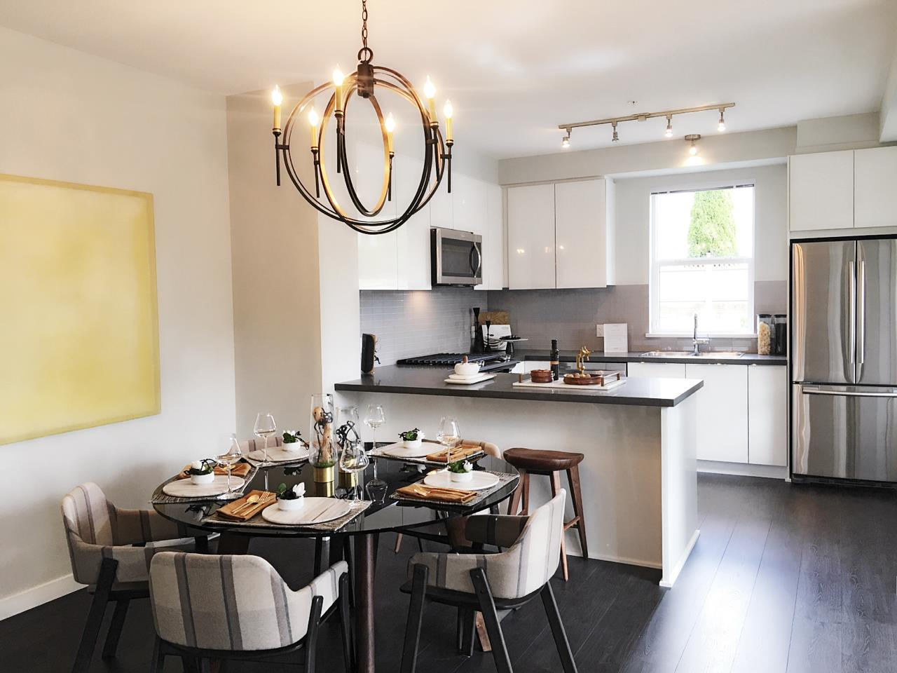 Condo Apartment at 110 609 COTTONWOOD AVENUE, Unit 110, Coquitlam, British Columbia. Image 2