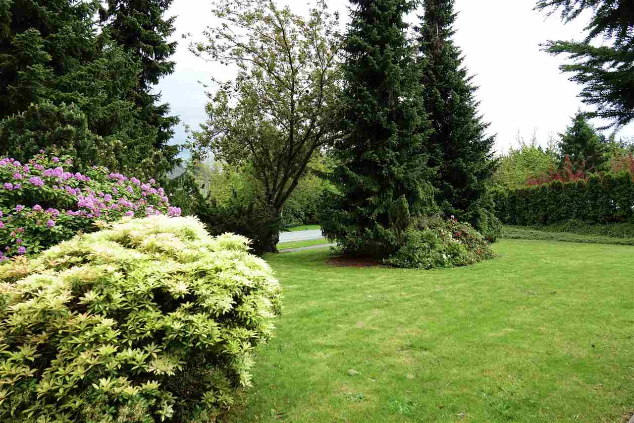 Detached at 2875 COUNTRY WOODS DRIVE, South Surrey White Rock, British Columbia. Image 3