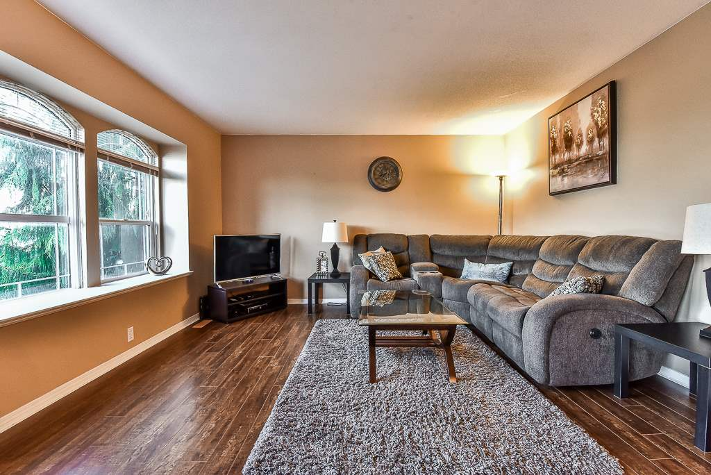 Detached at 36193 CASSANDRA DRIVE, Abbotsford, British Columbia. Image 3